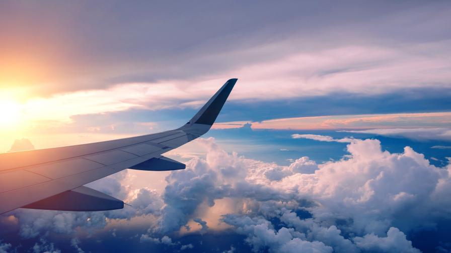 Откриха черната кутия на разбилия се във Филипините самолет
