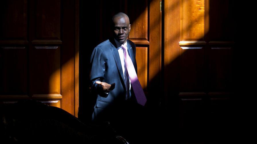 Президентът на Хаити Жувенел Моиз беше убит в резиденцията си от въоръжен отряд
