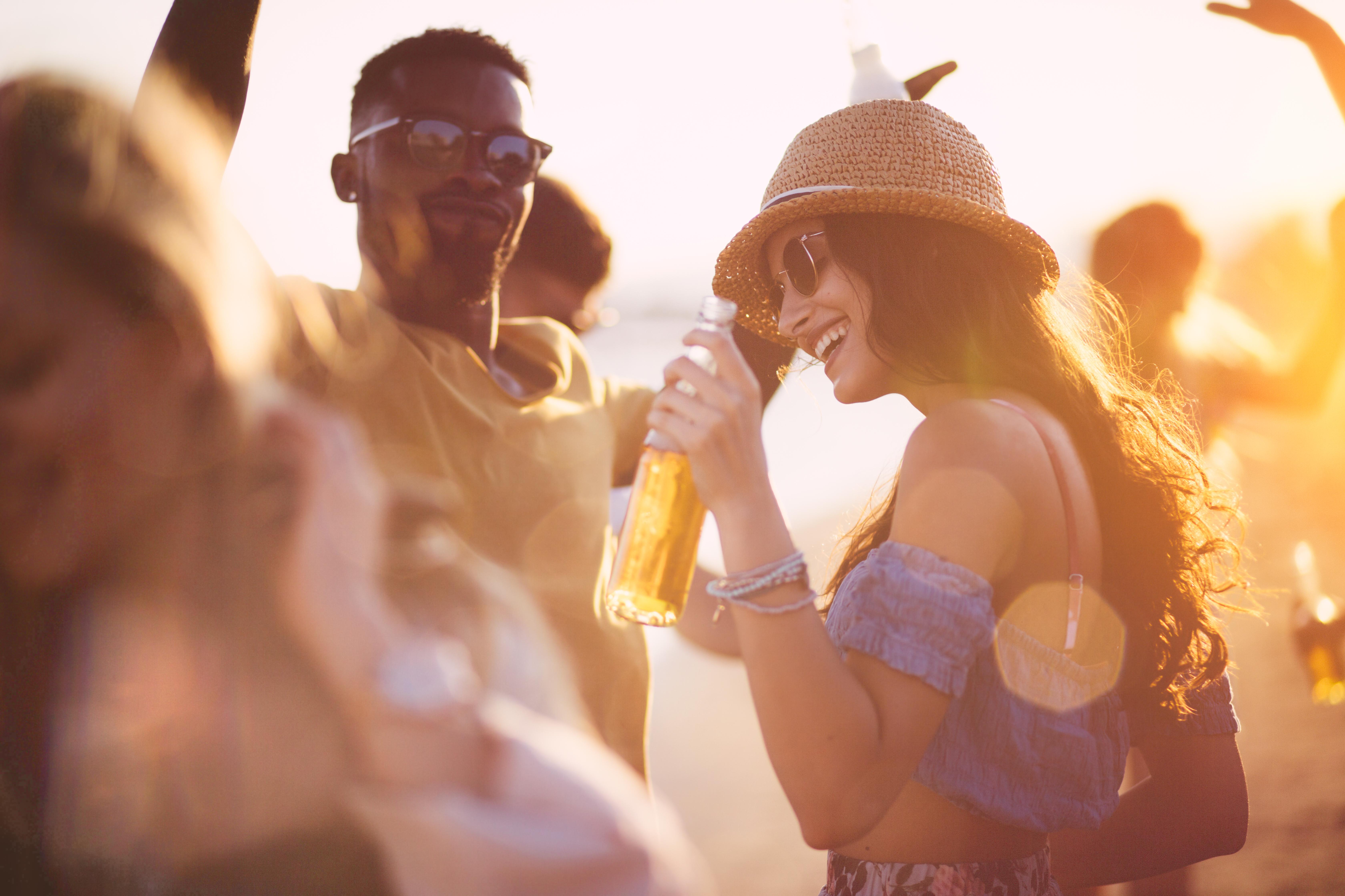 <p><strong>Дехидратация на организма</strong></p>  <p>Макар да изглежда добра идея да се разхладим със студен бира в жегата, алкохолът в нея може всъщност да ни дехидратира. А дехидратацията може да доведе до объркване, летаргия, проблеми с дишането и сърдечния ритъм.</p>
