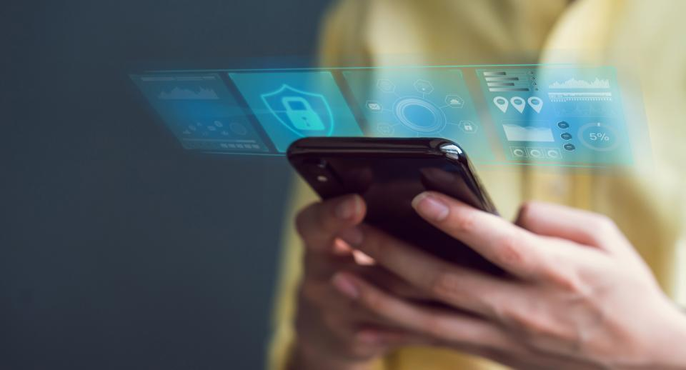 <p>Специалисти откриват нова опасност за сигурността в <strong>9 популярни приложения за Android</strong>. Приложенията са премахнати от Play Store, но междувременно са били изтеглени поне 7 милиона пъти.</p>  <p>Според Dr.Web, който прави проучване въху тях и публикува доклад, <strong>тези приложения използват тайни скриптове</strong>, с които се опитват да откраднат потребителски имена и пароли за достъп до Facebook. Самите приложения обещават услуги за редакция на снимки, образователно съдържание, хороскопи и премахване на нежелани файлове&nbsp; - <strong>но всичко си идва с цена</strong> и това са досадните реклами.</p>  <p>&nbsp;</p>
