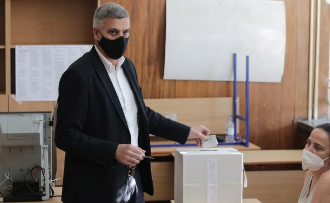 Премиерът Янев с коментар за резултатите от изборите