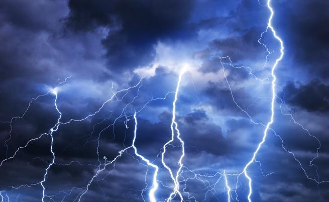 Гръмотевични бури със светкавици в Арктика озадачиха учените