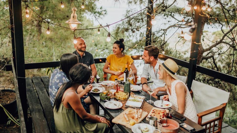 лято вечеря приятели семейство вкусно храна