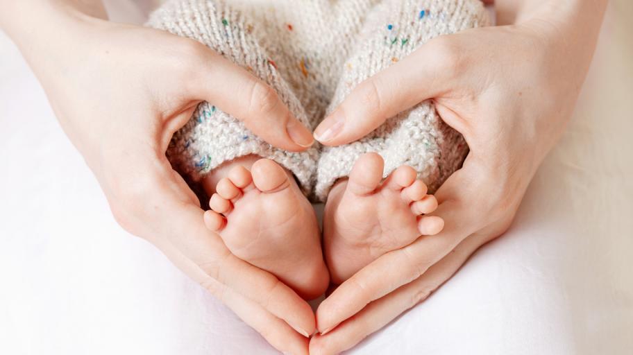 5 неща, които трябва да знаем за кожата на новороденото бебе