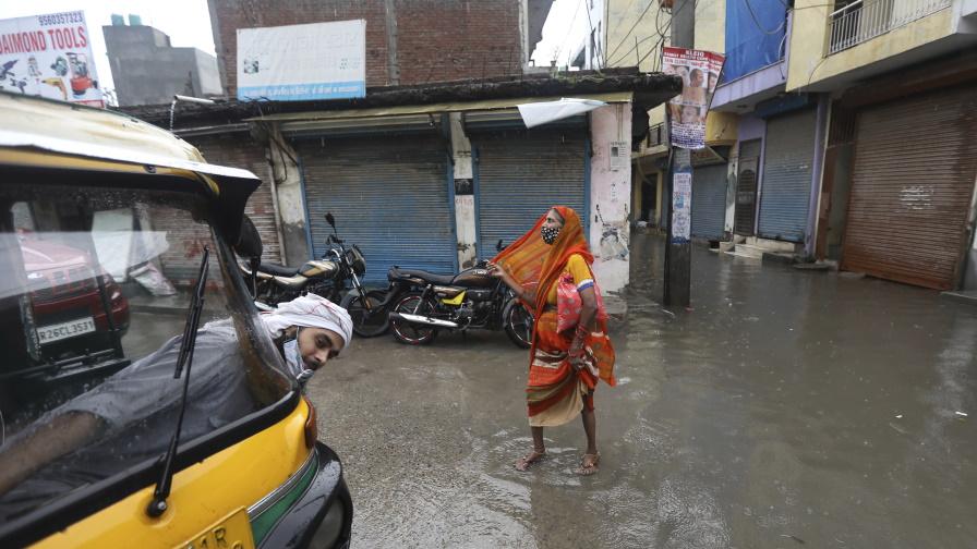 <p>Най-малко 35 души загинаха в Индия след проливни дъждове</p>