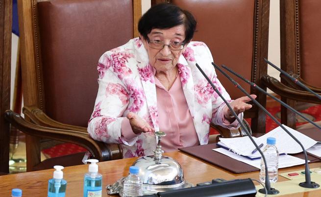 Мика Зайкова: Нашият мъдър народ ни каза нещо много важно - не иска да живее повече така, иска промяна