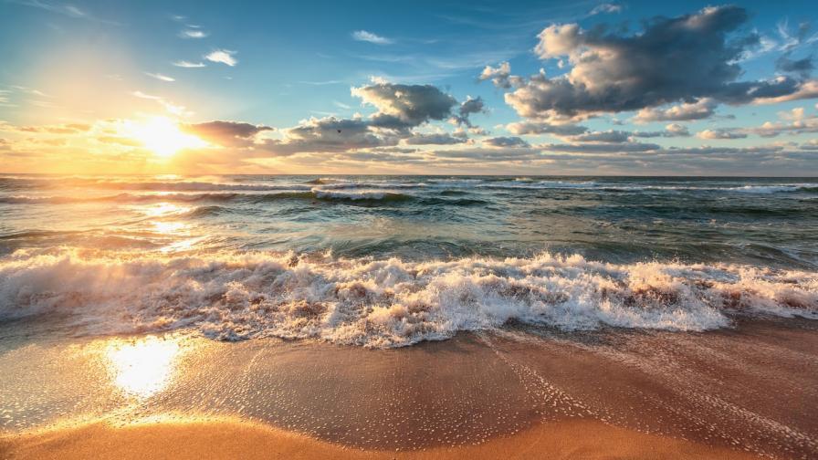 <p>Готови ли сте за плаж? Времето казва &bdquo;да&rdquo;</p>