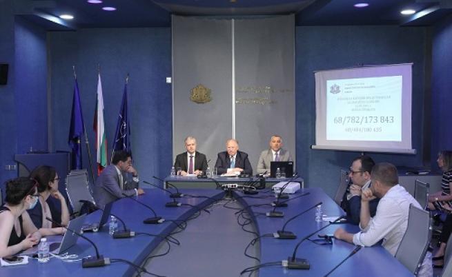 МВнР предлага промени за гласуването в чужбина
