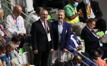 Спортният министър подкрепи българската делегация на откриващата церемония в Токио
