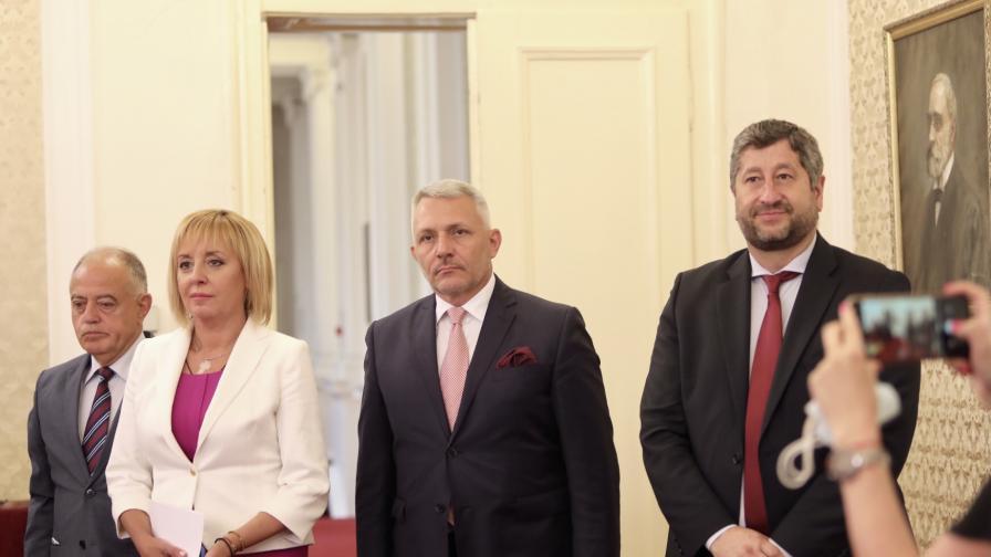 <p>Как реагираха политическите сили на Пламен Николов</p>