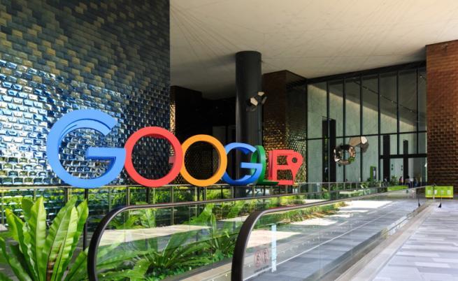 Google и Facebook ще допускат единствено ваксинирани служители в офисите си