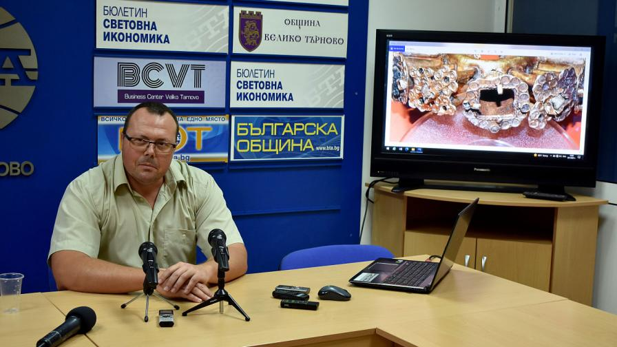 Доц. Деян Рабовянов