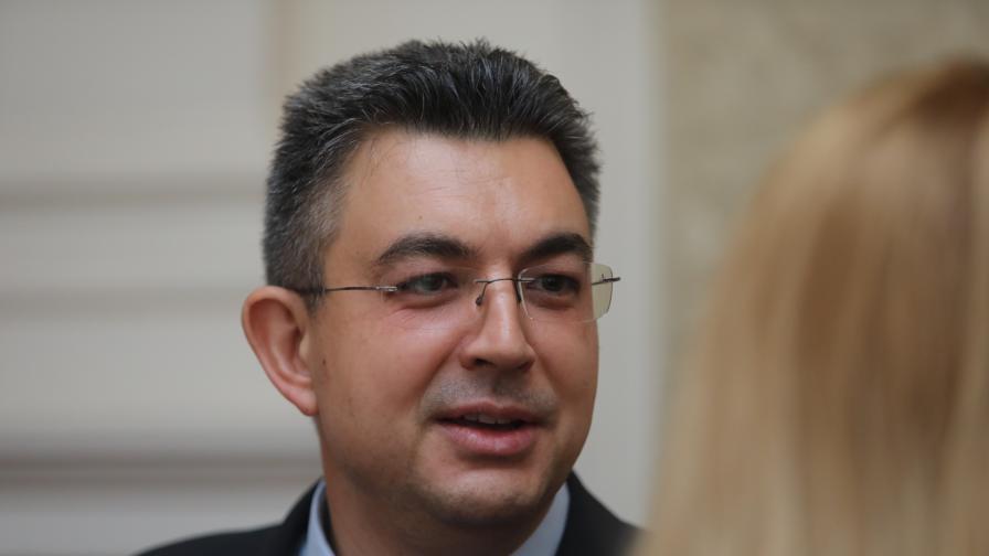 Николов: Мандатът може да бъде върнат на президента и преди петък