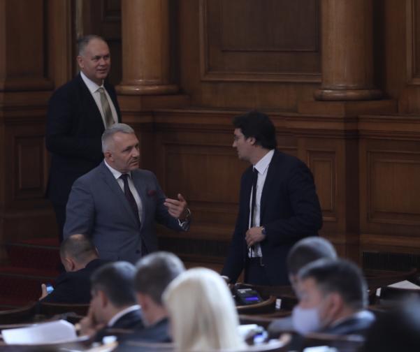 Депутатите решиха парламентът да има 22 постоянни комисии