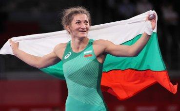 Награждават олимпийските медалистки в борбата