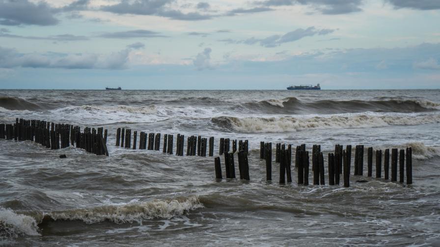 Русия съобщи за огромен петролен разлив в Черно море