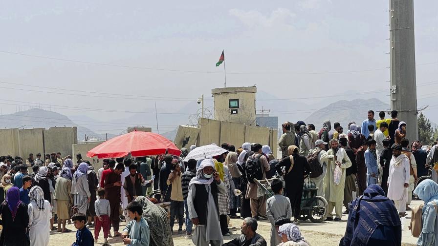 Шестима българи очакват евакуация от Кабул