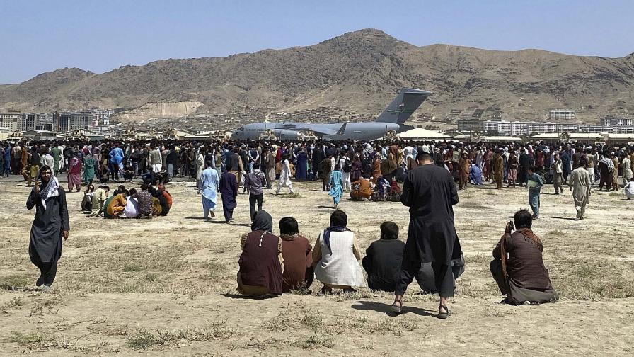 Афганистанка: Талибаните лъжат, не им вярвайте!