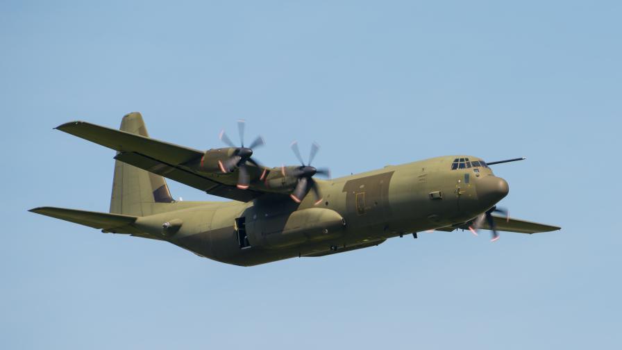 Четирима българи бяха евакуирани от Афганистан със самолет на румънските ВВС