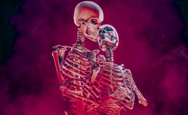 Да умреш заради вечната прегръдка на любовта
