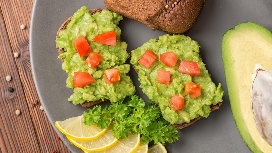 Вкусна идея за закуска: Сандвичи с авокадо мус