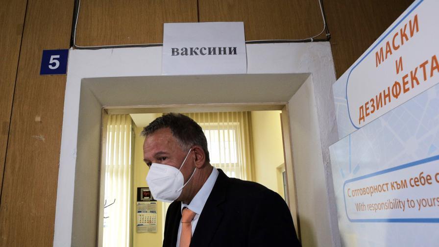 Кацаров: Към момента пандемията е под контрол, не се налагат нови мерки
