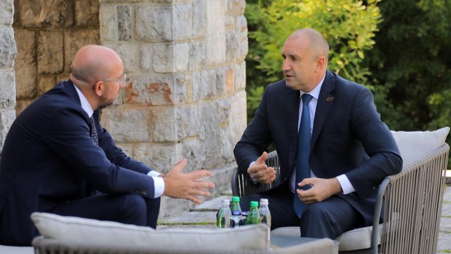 <p>Радев: Натискът за Македония да не е само върху България</p>