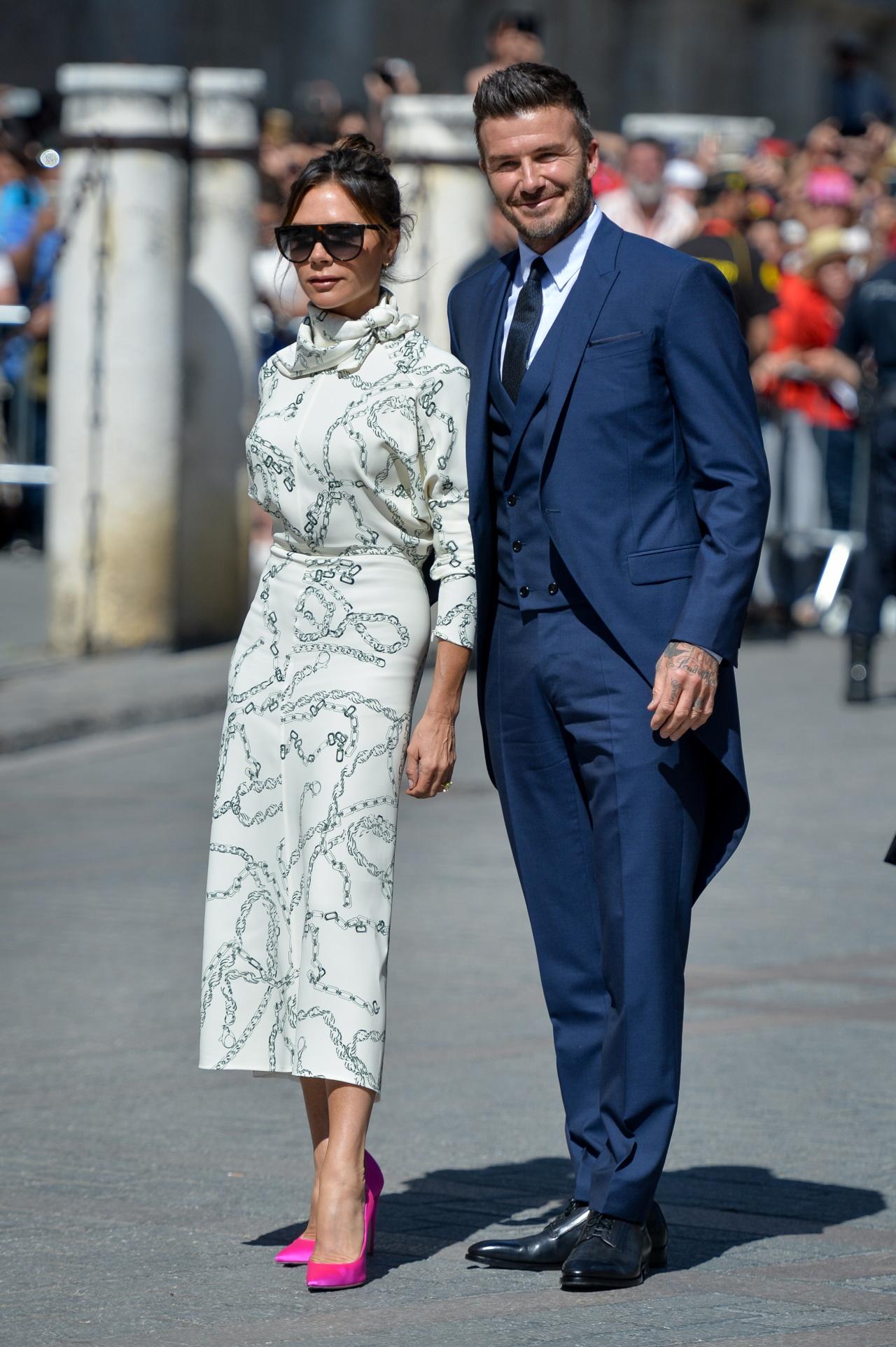 <p><strong>Виктория и Дейвид Бекъм</strong></p>  <p>Бившата певица и настоящ моден дизайнер Виктория и бившата футболна звезда Дейвид винаги са определяни като една от най-стилните двойки.</p>
