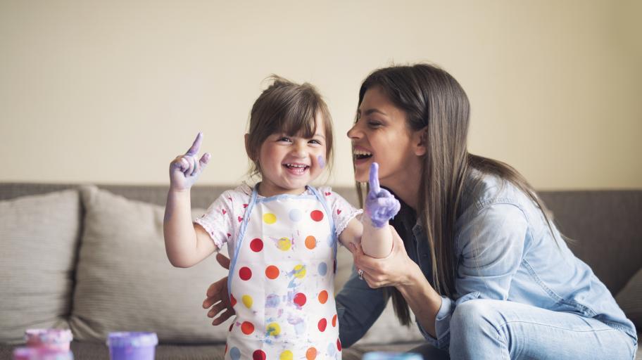 Как да научите 3-годишното си дете на цветовете?