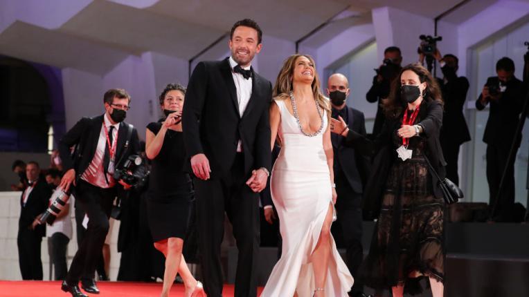 Дженифър Лопес и Бен Афлек на червения килим във Венеция