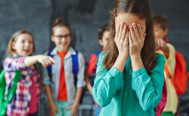 Финансови затруднения и тормоз са основните трудности пред достъпа до училище, смятат U-Репортерите