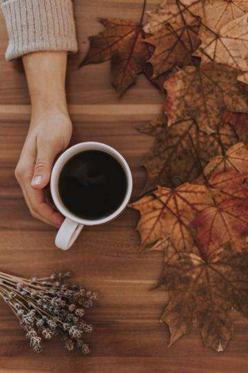 <p><strong>1. </strong>През октомври много неща ще изглеждат сякаш безкрайни, поради което е толкова важно да се отдадете на хоби, което да ви помогне да останете в добро настроение. Отвличането на вниманието от досадната и монотонна работа е необходимо, за да се даде почивка на мозъка и да се намерят нови решения.</p>