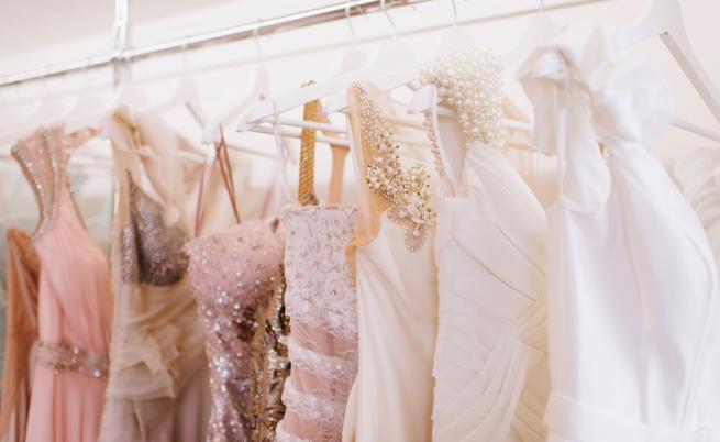 Нетрадиционните сватбени рокли на звездите
