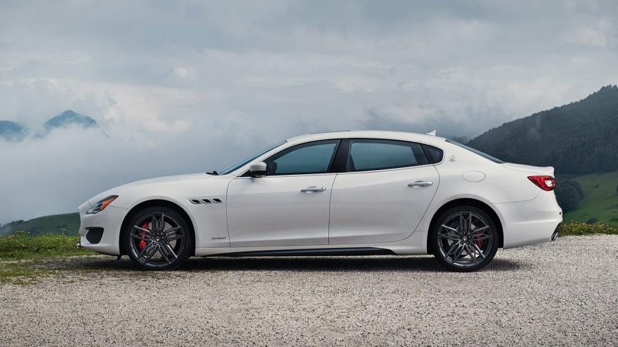 Любовната афера на Папуа Нова Гвинея с Maserati