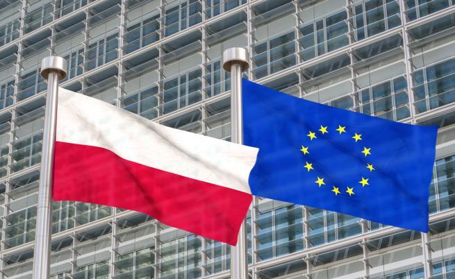 Скандал между Полша и ЕС, Франция реагира