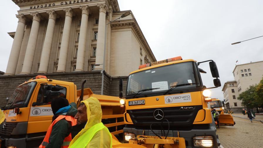 Протест, тежка техника блокира центъра на София