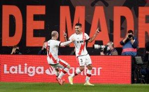 Историческа победа! Райо Валекано съсече и удължи агонията на Барселона