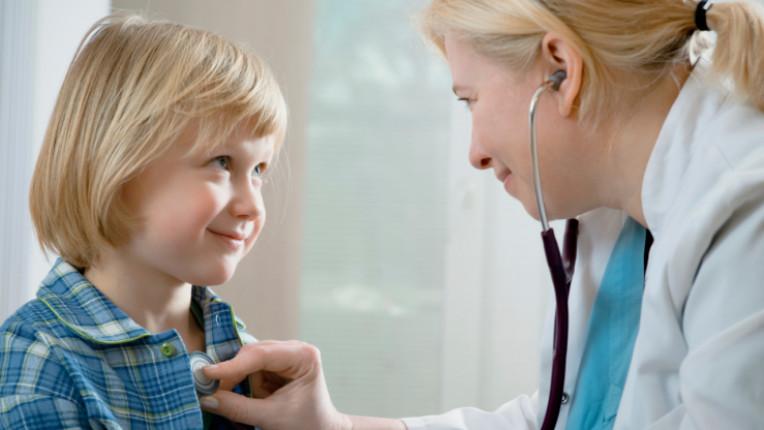 деца лекар доктро педиатър