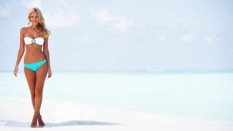 тяло бански море лято