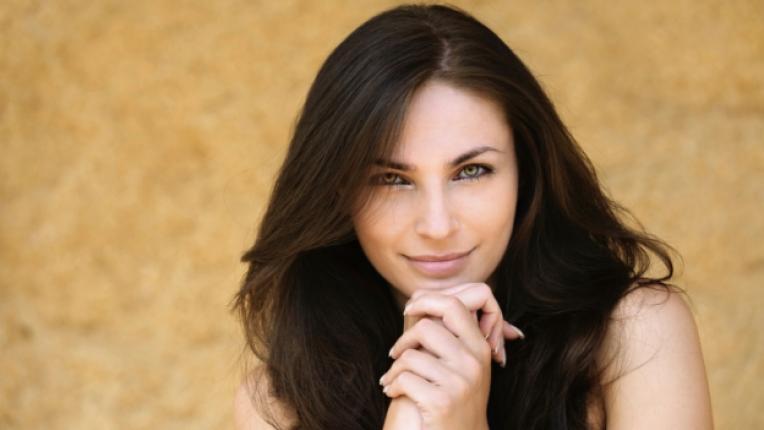 Коса жена брюнетка красота