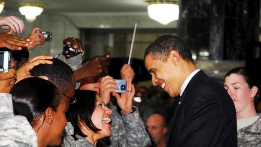 Президентът Обама сред американски военни в Ирак