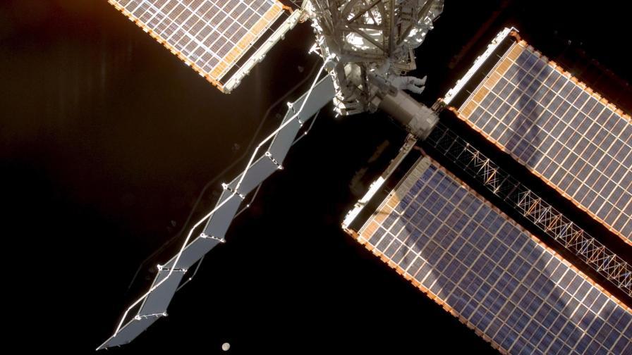 Бивш астронавт: Не сме сами във Вселената