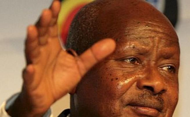 Президентът на Уганда: Какви ги вършите на Луната?