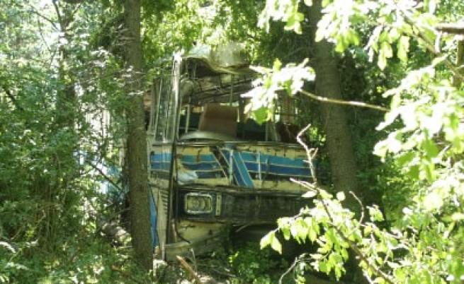Очевидец: Автобусът помиташе всичко по пътя си...