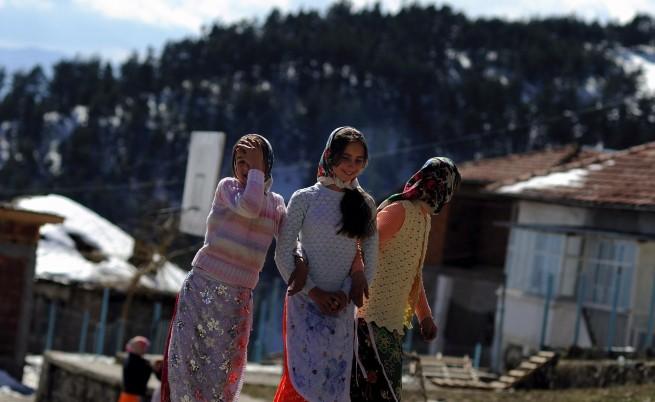 Ройтерс: Пукнатини в етническия модел на България