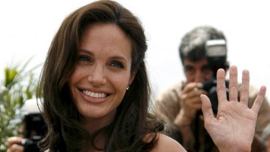 Жените са по-красиви, когато се усмихват
