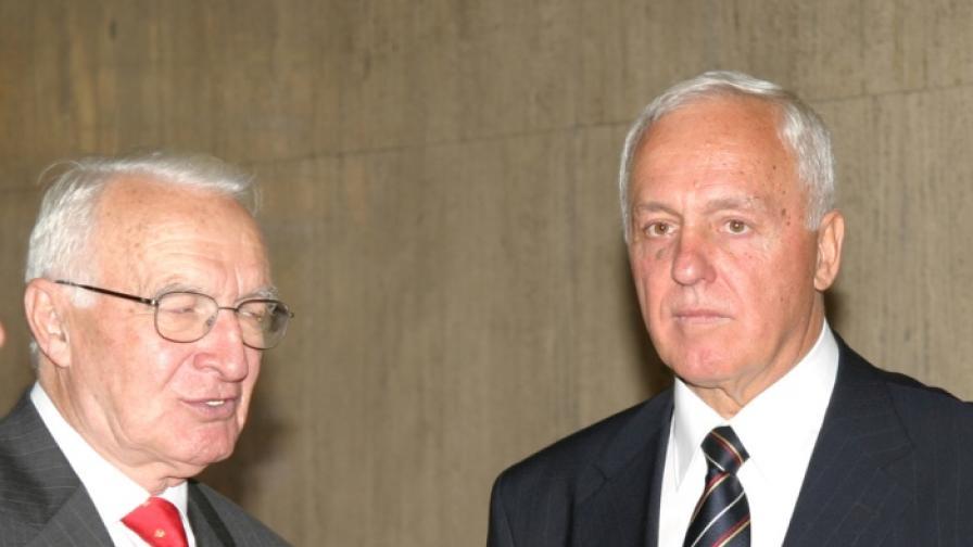 Бившите управители на БНБ Тодор Вълчев (л) и Иван Драгневски