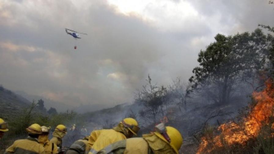 Испания поиска помощ срещу пожарите