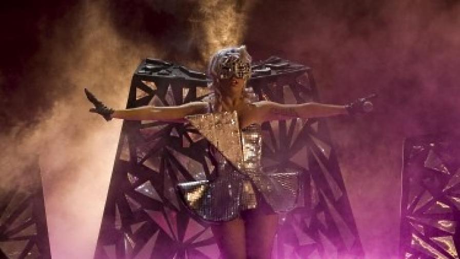 Лейди Гага на концерт в Сингапур