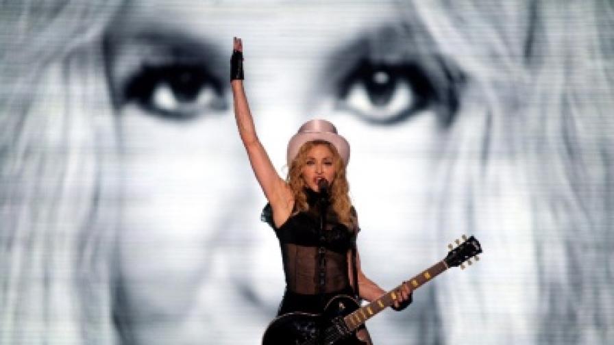 Мадона по време на концерта в Букурещ